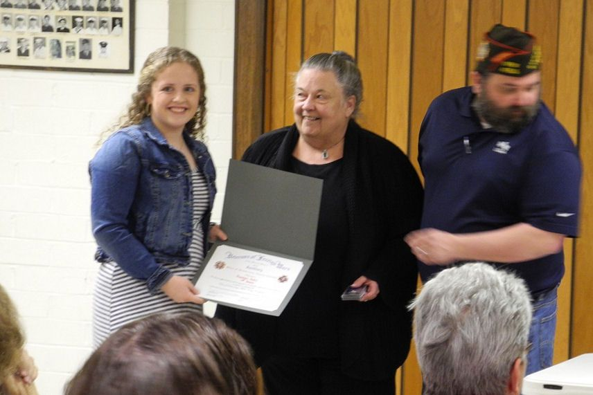 Rachel Pohl receives District 9 Voice of Democracy Award.
